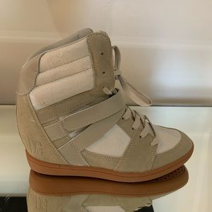 DC beige high top sneakers size 8